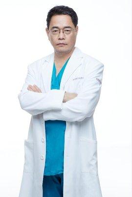 全国修复双眼皮最好的医生排名:刘风卓