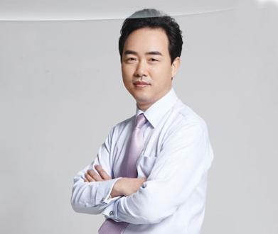 北京隆鼻修复最好的整形医生:巫文云和李劲良鼻修复哪个好?